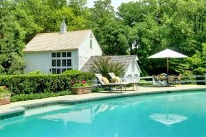 Ann Pugh Farm Barn and Swimming Pool